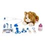 Katt hos veterinär med tillbehör - Brun Katt