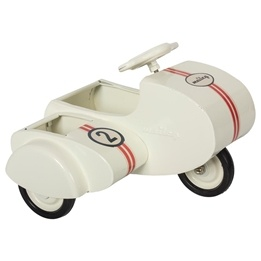 Maileg, Metal scooter w. sidecar, white