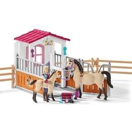 Schleich, 42369 Horse Club - Häststall med Arabhästar och skötare