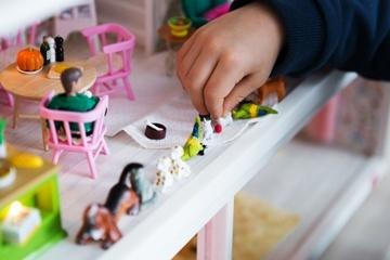Lundby - Dockskåp och möbler till barn och samlare