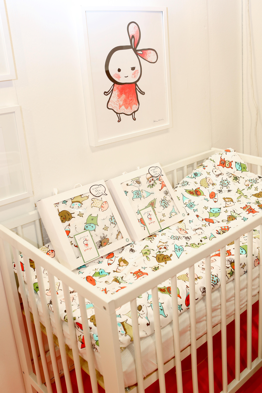 brokiga poster little pink 40x50 cm. Black Bedroom Furniture Sets. Home Design Ideas