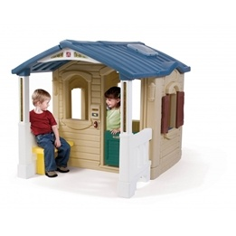Step2 - Lekstuga - Front Porch Playhouse