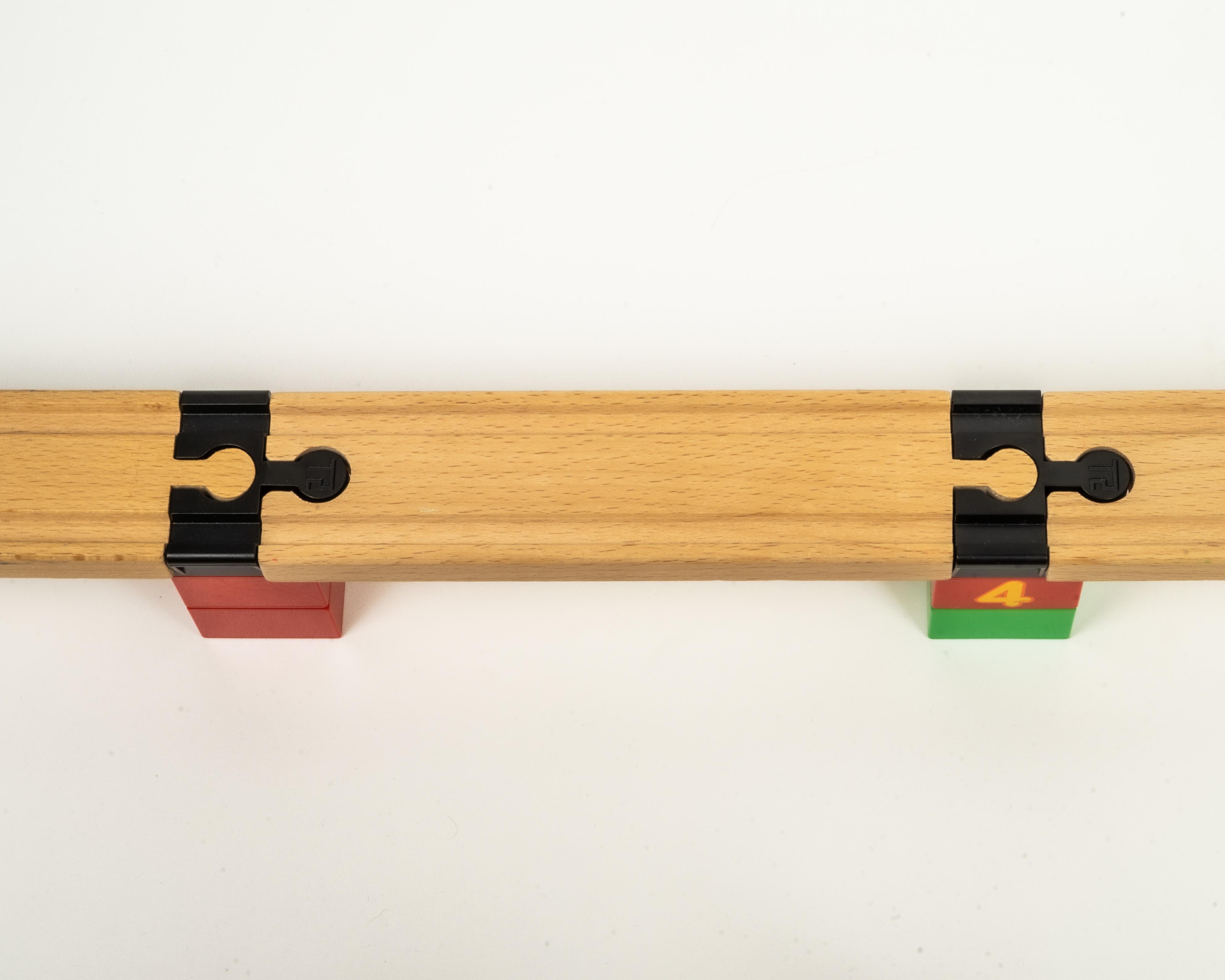 TOY2 Toy2 - Tågebanedelar - Startpaket - Litet